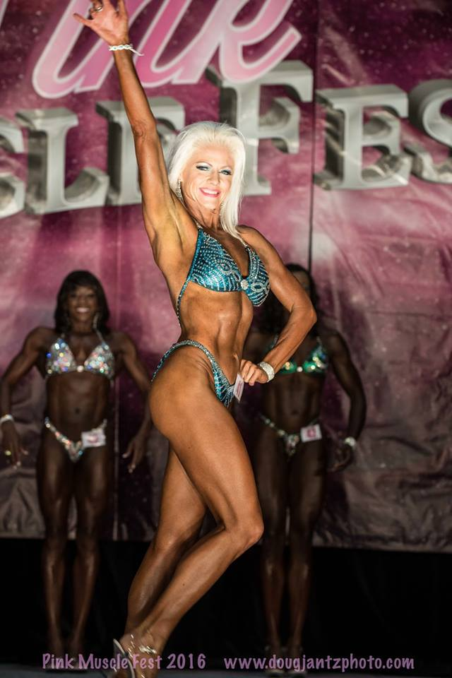 team-proformations-kansas-city-bodybuilding-and-figure-contest-prep-services-pink-muscle-fest-1