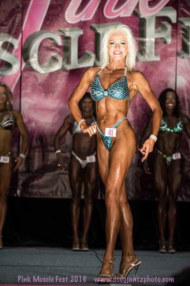 team-proformations-kansas-city-bodybuilding-and-figure-contest-prep-services-pink-muscle-fest-11