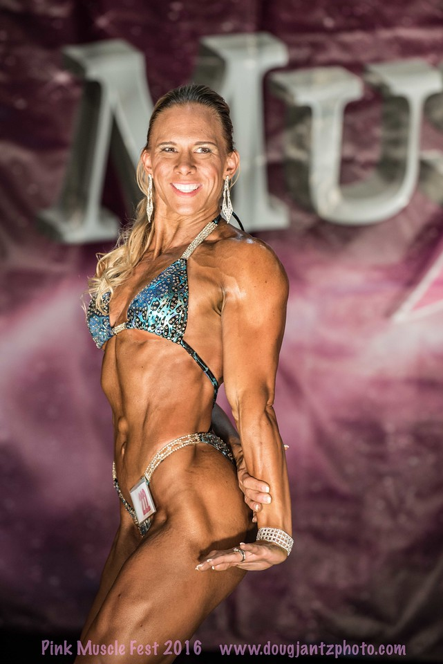 team-proformations-kansas-city-bodybuilding-and-figure-contest-prep-services-pink-muscle-fest-8m1